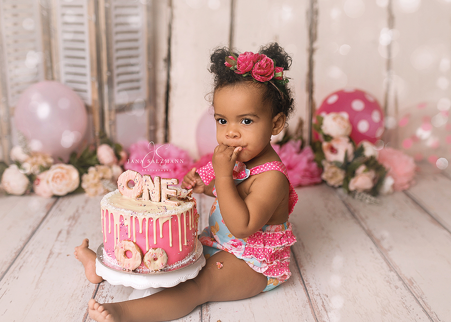 cake smash pink