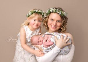 mama mit neugeborenen
